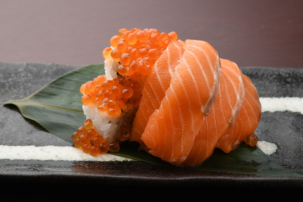 いくらとサーモンのぶっかけ寿司