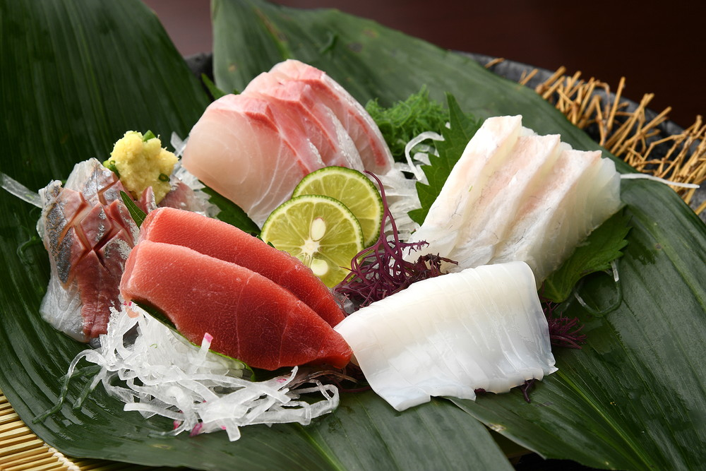 Sashimi (sliced raw fish)